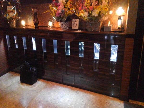飲み屋のボトル棚